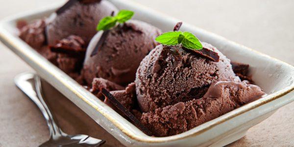 Schokoladen Parfait mit Pistazien Pesto