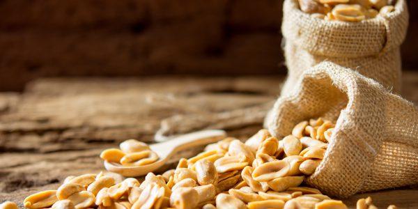E Erdnüsse